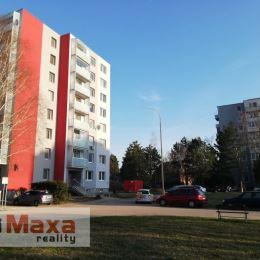 NOVINKA!! Ponúkame na predaj pekný a priestranný 3 izbový byt v Holíči, vo vyhľadávanej lokalite pri Kaštieli. Byt sa nachádza na prízemí v činžiaku ...