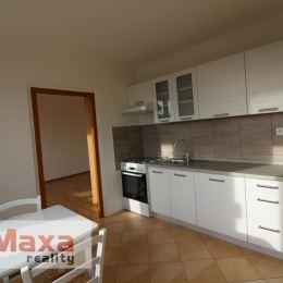 Ponúkame Vám na predaj 2 izbový byt v osobnom vlastníctve v Prievidzi. Byt o rozlohe 54m2 sa nachádza na 5. poschodí v panelovom bytovom dome s ...
