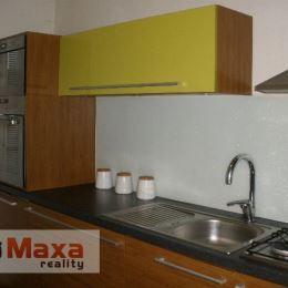 Ponúkame Vám na predaj trojizbový byt v Brezne, sídlisko Mazorník. Plocha: 63 m2. Byt je udržiavaný, po čiastočnej rekonštrukcii - plastové okná, ...
