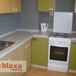Ponúkame Vám na predaj dvojizbový byt vo Valaskej. Plocha: úžitková 58 m2. Byt je teplý stredový slnečný. V byte prebieha rekonštrukcia. Znižované ...