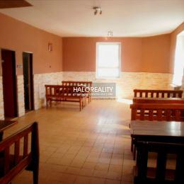 Ponúkame na predaj rodinný dom s rozlohou 190m² v zastavanej časti obce Beluša. Pozemok na ktorom sa RD nachádza má výmeru 480m². RD je čiastočne ...