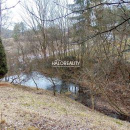 Ponúkame na predaj pozemok v zastavanom území obce s celkovou rozlohou 811 m², vhodný na výstavbu rekreačnej chaty, nachádzajúci sa v Záhradkárskej ...