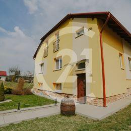 Century 21 Garant ponúka exkluzívne na predaj alebo na výmenu za byt rodinný dom v pokojnej časti obce Bertotovce vzdialenej od krajského mesta ...