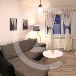 Ak hľadáte bývanie bez starostí ponúkam Vám na predaj NOVO ZREKONŠTRUOVANÝ a KOMPLET ZARIADENÝ 1 izbový byt v Levoči v tichej a peknej lokalite Pod ...