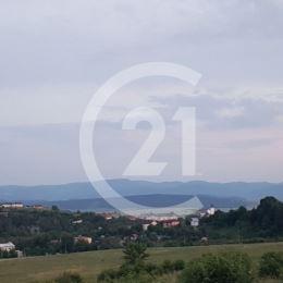 Na pozemok / z 15-tich /o rozlohe 690 m2.Pozemky sú v krásnej lokalite v prírodnom prostredí pod lesom s nádherným výhľadom len 1 km od centra mesta ...