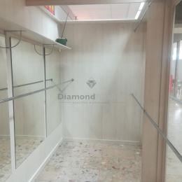 Ponúkame na prenájom obchodný priestor o výmere 8 m2 umiestnený na prízemí obchodného domu Dargov v centre Košíc. Je to jeden priestor o rozmeroch 2 ...