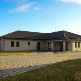 Ponúkame na predaj krásnu novostavbu rodinného domu v obci Župčany. Je situovaná na rovinatom pozemku so všetkými inžinierskymi sieťami. Je to ...