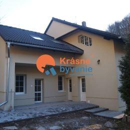 Ponúkame Vám na predaj 5 izbový rodinný dom v obci Železná Breznica. Vzdialený len 16 km od okresného mesta Zvolen. Autom je to len 15 min. jazdy. ...