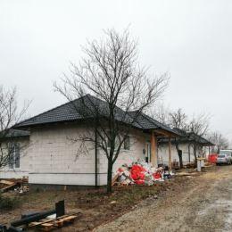 Pripravili sme pre Vás projekt výstavby 3 rodinných domov v obci Ruská Nová Ves. 4 - izbové rodinné domy typu bungalov, sa nachádzajú v zastavanej ...
