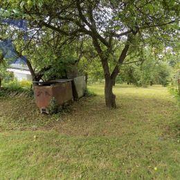 Realitný maklér Vlastimil Beseda a realitná kancelária BV REAL ponúka na predaj záhradu s chatkou v záhradkárskej osade Sad 9. mája v Prievidzi, na ...