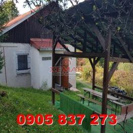 XEMAR (jana.jakubisova@xemar.sk alebo 0905 837 273 ), exkluzívne ponúka na predaj útulnú chatku vo Zvolene, rekreačná oblasť Zvolenská priehrada. ...