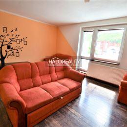 Ponúkame na predaj trojizbový byt 71m², v OV, v Liptovskom Hrádku, ulica SNP. Byt sa nachádza v zateplenom bytovom dome na štvrtom poschodí zo ...