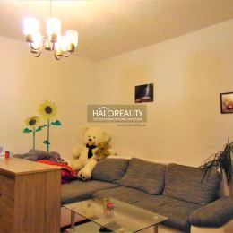 Ponúkame na predaj dvojizbový byt v osobnom vlastníctve na 2/8 poschodí s celkovou rozlohou 50 m² v zateplenom panelovom dome s výťahom na sídlisku ...