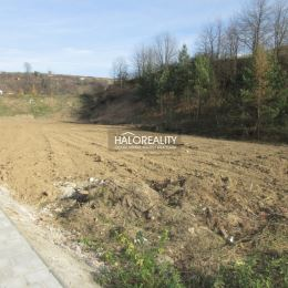 Ponúkame na predaj stavebné pozemky v rozlohe od 685 m² do 1105 m² určené na výstavbu rodinného domu v lukratívnej časti mesta Levoča - Pri ...
