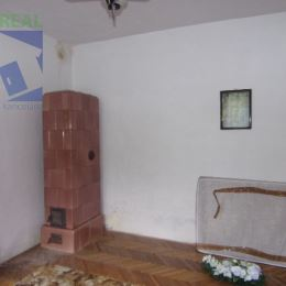 Na predaj 3 izbový rodinný dom 436 m2 Bzenica okres Žiar nad Hronom
