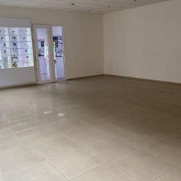 Ponúkame Vám na prenájom veľký obchodný alebo kancelársky priestor v centre mesta.Priestor sa nachádza na 2. poschodiach, má výmeru spolu 265 m2 a ...