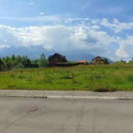 Na predaj pozemok v tichej novovybudovanej lokalite s nádherným panoramatickým výhľadom na Vysoké Tatry. Pozemok má vybudované všetky IS ...