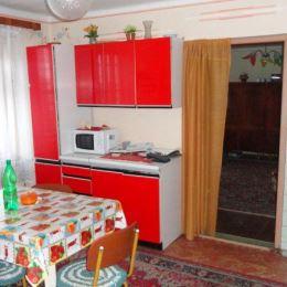 Na predaj 4 - izbový rodinný dom v obci Hodkovce vzdialenej len 13 km od Košíc. Dom so zastavanou plochou 100 m2 sa nachádza na rovinatom pozemku o ...