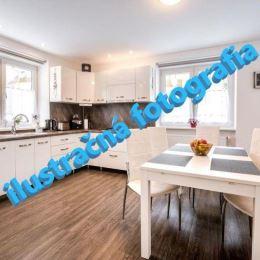 TUreality pripravuje ponuku predaja 3-izbového bytu v novostavbe tehlového bytového domu vo Viničnom. Byt je vybavený modernými, kvalitnými ...