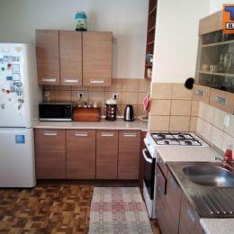 Tureality ponúka na predaj slnečný, priestranný 3 - izbový byt s lodžiou v širšom centre mesta Prešov, na Sabinovskej ulici. Nehnuteľnosť s rozlohou ...
