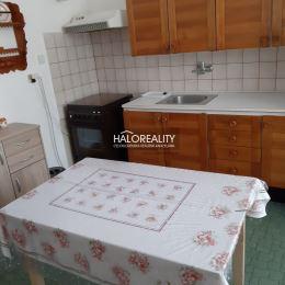 V centre mesta Žiar nad Hronom Vám ponúkame na predaj 3 izbový, priestranný, tehlový byt s výmerou podlahovej plochy 76,93m². Nachádza sa na ...