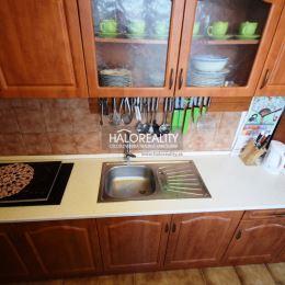 Ponúkame na predaj veľmi príjemný a útulný dvojizbový byt s lodžiou v Centre mesta Partizánske, na Februárovej ulici. Byt má rozlohu 49m² a nachádza ...