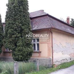 Ponúkame na predaj rodinný dom v obci Tužina, ktorý je postavený na pozemku s rozlohou 224m². Pozostáva zo vstupnej chodby, kuchyne, menšej špajze, ...