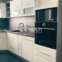 Ponúkame na prenájom rekonštruovaný a zariadený 2-izbový byt v centre mesta Žiar nad Hronom. Byt sa nachádza v zateplenom tehlovom BD na vyvýšenom ...