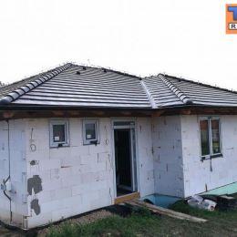TUreality Vám ponúkajú na predaj 4 izbové novostavby rodinných domov v novovybudovanej časti obci Mojmírovce v blízkosti centra iba 14 km od ...