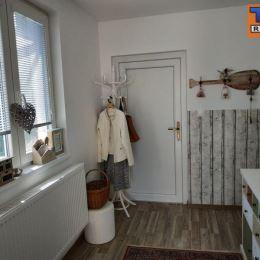 Exkluzívne na predaj krásny, 2-izbový rodinný dom 526m2 v obci Blatné pri Senci v tichej a kľudnej lokalite. V tesnej blízkosti sa nachádza škola, ...