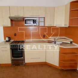 Na predaj krásny 2 izbový byt v Nitre na sídlisku Klokočina.Byt sa nachádza na 3 podlaží 7 poschodového bytového domu.Bytový dom prešiel ...