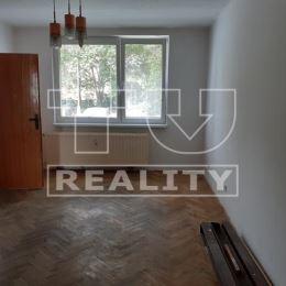 Na predaj veľký trojizbový byt v Partizánskom. Rozloha bytu je 76 m2. Byt prešiel čiastočnou rekonštrukciou, sú vymenené plastové okná, elektrina v ...