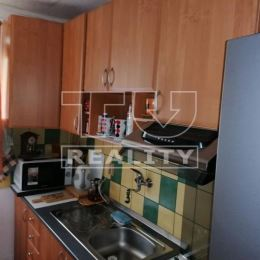 Na predaj menší útulný dvojizbový byt v tichej lokalite mesta Krompachy, v blízkosti centra, o celkovej rozlohe 42 m2. Byt je orientovaný na V/Z, ...