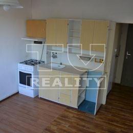 Na predaj slnečný 1-izbový byt v Top lokalite, Nábrežie mládeže, Nitra-Chrenová o ploche 37m2 na 3/3, poschodového bytového domu, ktorý prešiel ...