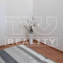 TUreality so súhlasom majiteľa ponúka na predaj 2 izbový byt v centre mesta. Klimatozovaný čiastočne zrekonštruovaný byt sa nachádza na 3/3 poschodí ...