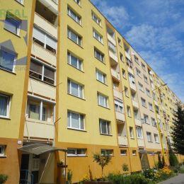 Realitný maklér Fazika Miroslav a BV REAL realitná kancelária hľadá pre konkrétneho klienta na predaj 2 izbový byt v Kanianke okres Prievidza.Cena ...