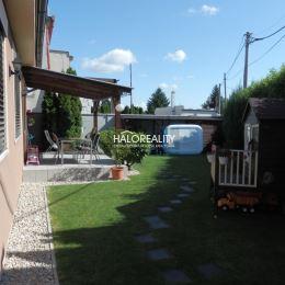 Ponúkame na predaj 10-ročnú novostavbu nízkoenergetického 4-izbového rodinného domu v Seredi. Tichá lokalita, zároveň blízko centra. Úžitková plocha ...