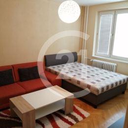 Ponúkame Vám na predaj 1 izbový byt s balkónom o výmere 35 m2 v OV, po kompletnej rekonštrukcii. Byt sa nachádza vo vyhľadávanej lokalite Terasa - ...