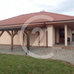 Na prenájom nový 4 izbový prízemný dom v tichej štvrti v Nitre Janíkovciach na Slamkovej ulici. Vhodné pre mladé rodiny, možnosť bývania aj so ...